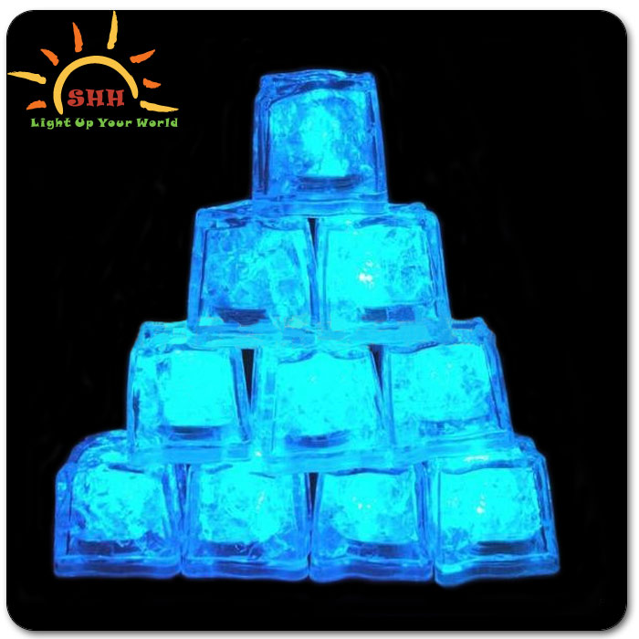 2016 Hot Fashion water activated led lighting ice cubes for party Bar Favor