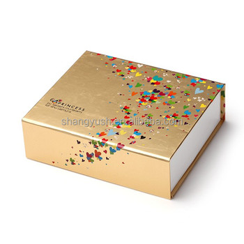 Magnetic closure paper gift boxes for packaging