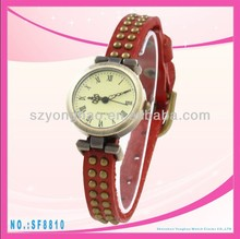 2013 hot new design fashion girls watch