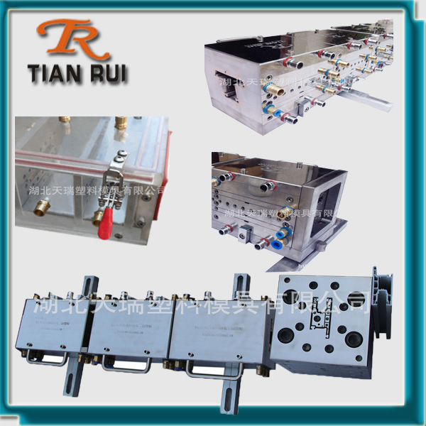Plastic window and door systems extrusion mold