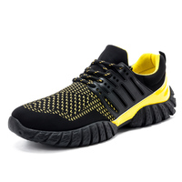 2016 New breathable shock absorption sport shoes