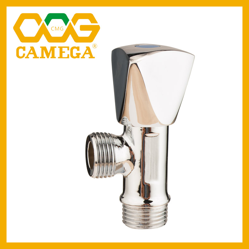 "CW617N Brass Angle Valve 1/2""x3/4"" High Polished Surface"