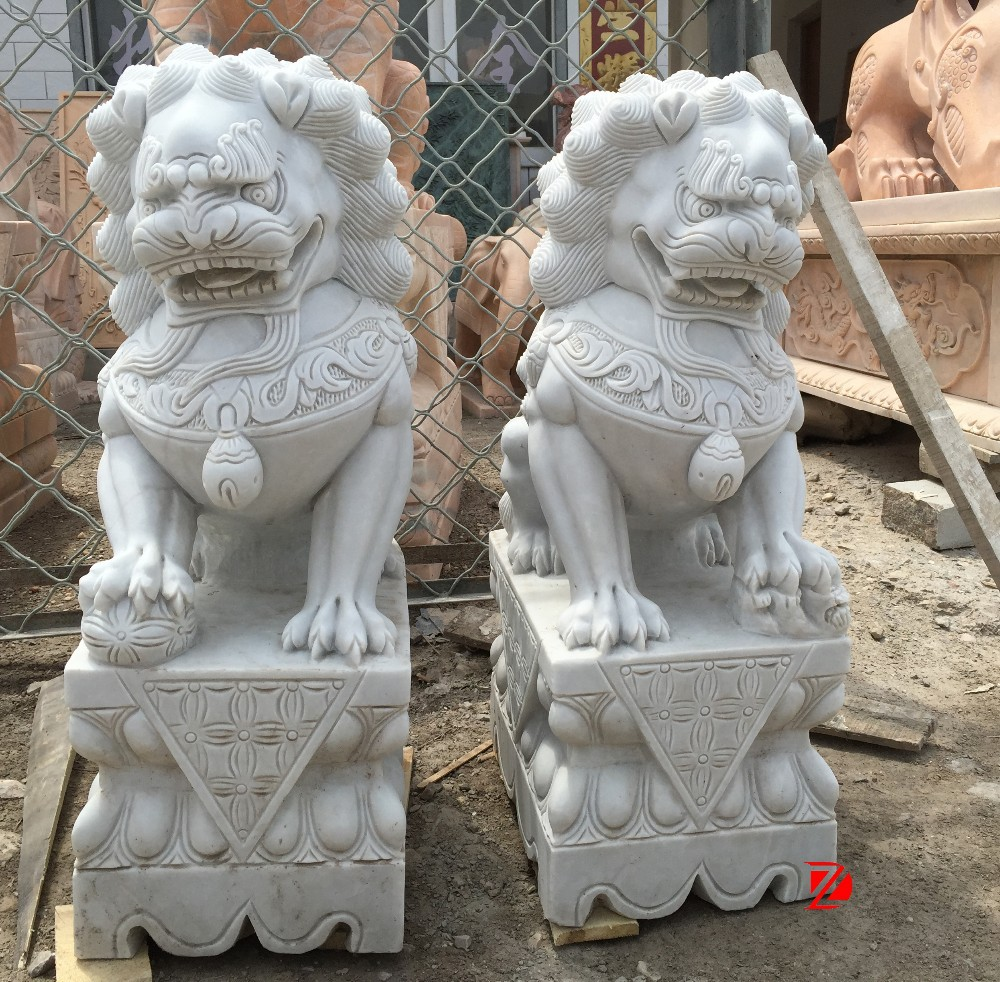 mascotte statue main c d marbre blanc chinois lion foo chien statue statues id de produit. Black Bedroom Furniture Sets. Home Design Ideas