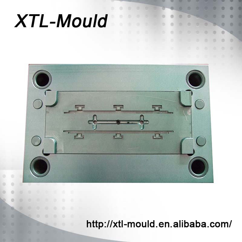 Plastic Injection Bottle Opener Moulds Factory
