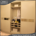 Large storage laminate glass sliding door bedroom wardrobe