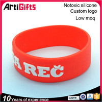 Fashion and popular 3d embossed wristbands