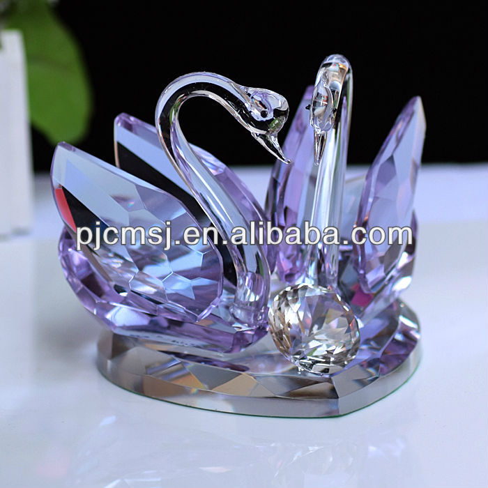 Puerple crystal kissing swan for wedding centerpiece
