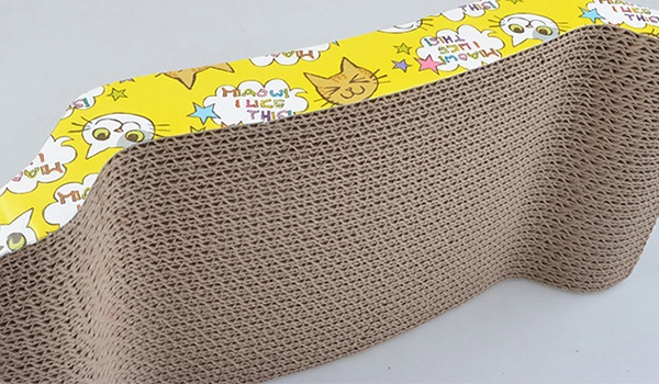 Eco friendly pet playing corrugated cardboard mat cat toy