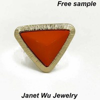 Free Sample Hottest Fashion Cheapest Women Jewelry Semi-precious Stone Finger Ring Gold Zinc Alloy Resin Triangle Stretch Ring