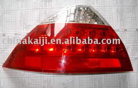 plastic injection auto head lamp mould manufacture