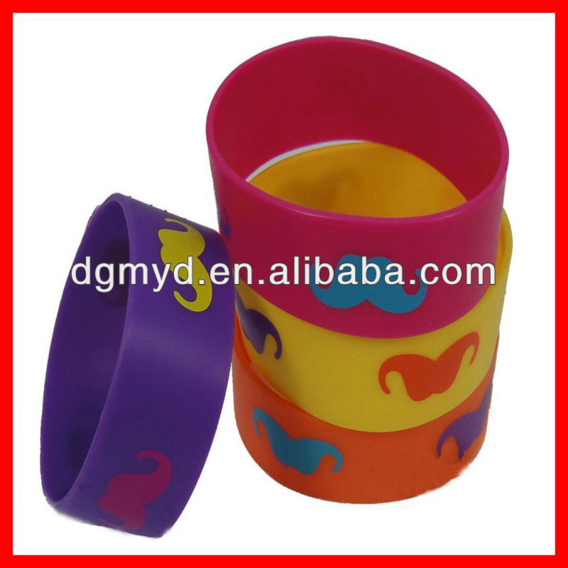 New coming popular pinted the mustache silicone fashion bracelet 2013 trend