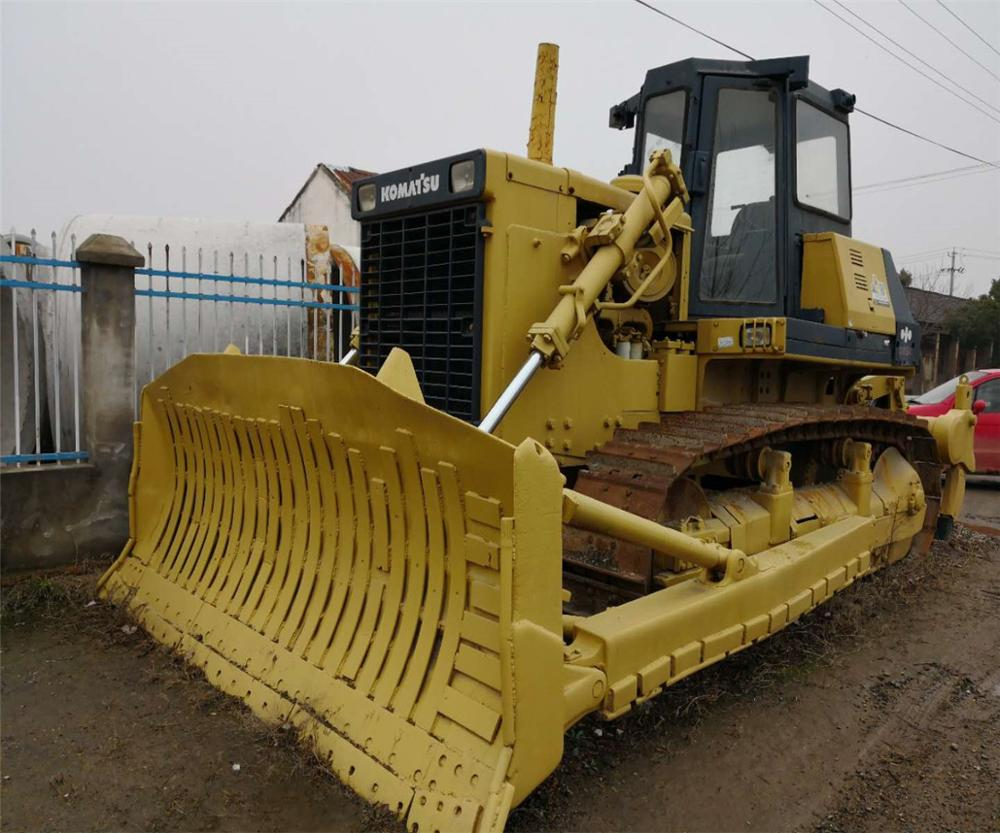 Second hand D85-21 <strong>bulldozer</strong> Used <strong>Bulldozer</strong> D5K at low price <strong>D155A</strong> D355 D375 crawler <strong>bulldozer</strong>