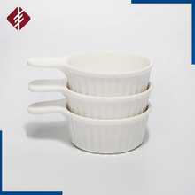 Round porcelain ramekin dish/baking dish/pudding cup with the handle white