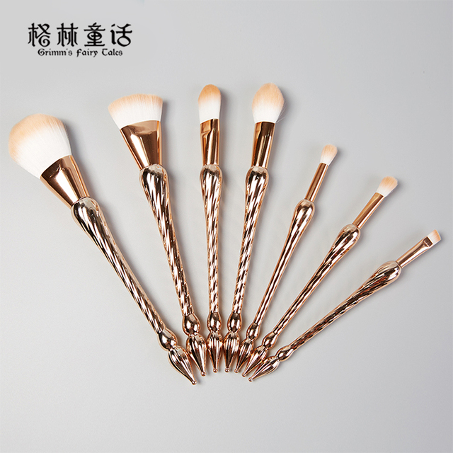 Concealer Eye Shadow Cosmetic Female Blush Synthetic Hair Foundation Brush
