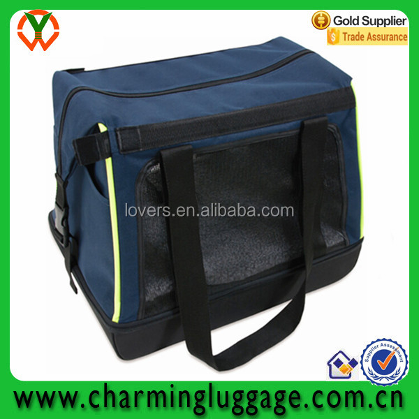 Wholesale cat carrier bag/pet carrier bag in the car