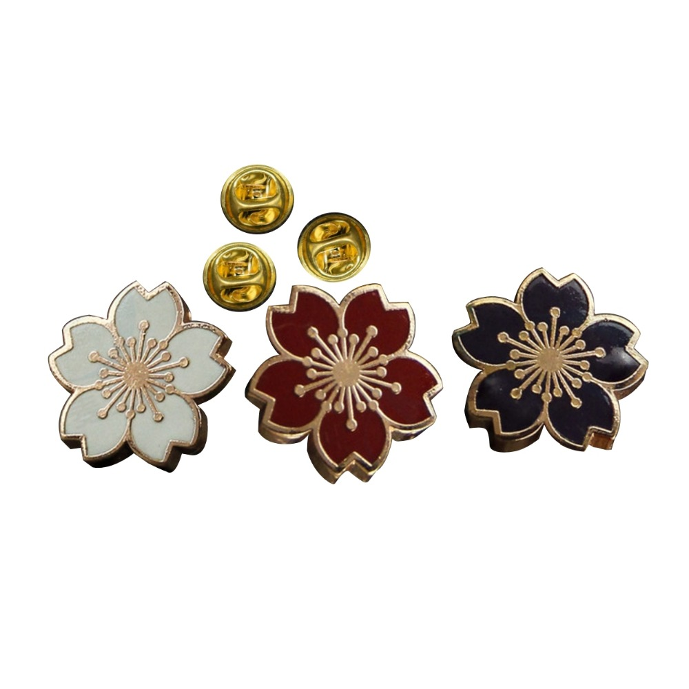 Custom sakura badges flower lapel pin