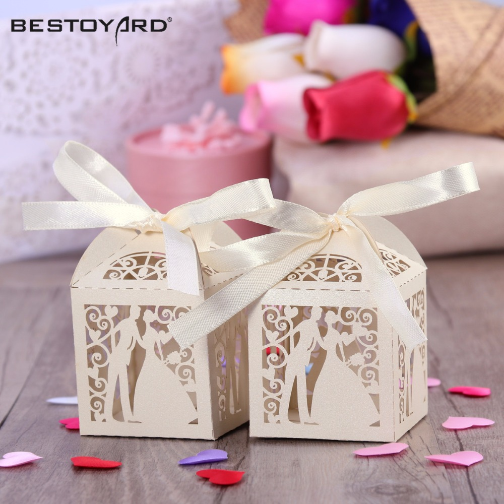 50pcs-Couple-Design-Luxury-Lase-Cut-Wedding-Sweets-Candy-Gift-Favour-Boxes-with-Ribbon-Table-Decorations (3)