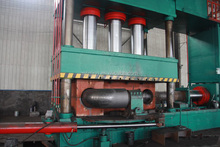 Carbon steel /Alloy steel hydraulic induction pipe fitting elbow/tee machine
