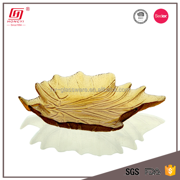 Safe unique kitchen use maple leaf shaped crafted cute mini glass plate