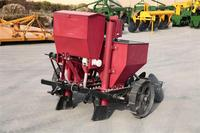 Hot selling tractor potato planter with high quality