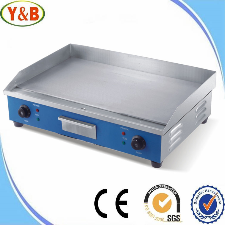 Commercial griddle with full flat teppanyaki grill plate