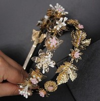 Baroque New Gold Butterfly leaves delicate diamond pearl hair bands flower hair accessories bridal portrait photograph