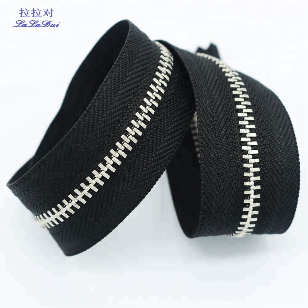 <strong>3</strong># White Or Black Tape Shiny Silver Long Chain Zipper