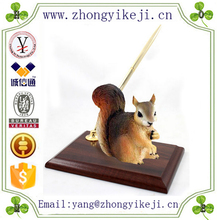 factory custom made hot new product resin squirrel decoration for Desk Pen Holder