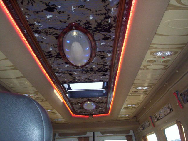 BUS INTERIOR LIGHT, TRACK LIGHT. BUS DESIGN