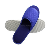 Custom Made Adults Hotel Bedroom Indoor Quilted Terry Thong Slipper (XJHL17)
