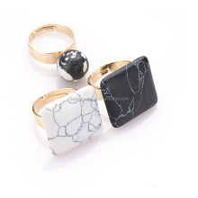 Square Stone Gold Finger Ring Rings Design for Women with Price