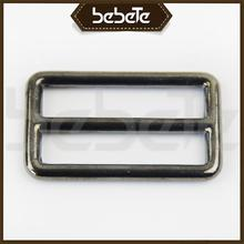 Wholesale manufactures luggage strap with metal buckle