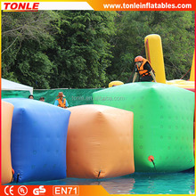 2016 new adults Inflatable square runner floating water park game for sale
