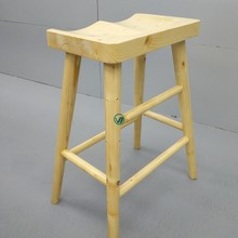 China manufacture retail huawei store 3.0 wood stool for experience
