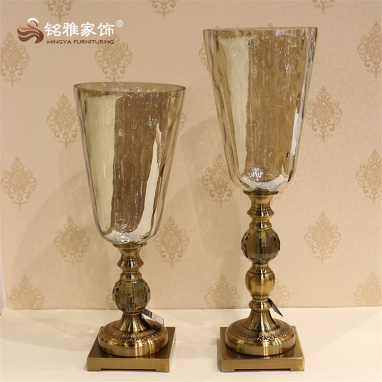 Restaurant decoration pieces glass with metal base flower vase