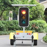 2016 Bespoke Solar Powered LED Remote Control LED Stop Light Portable Green Blue For Sale Traffic Signal Lights
