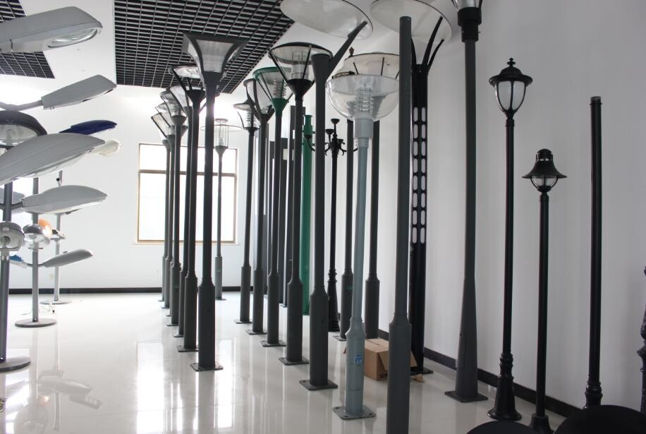 Hot selling cast iron outdoor lamp post with low price
