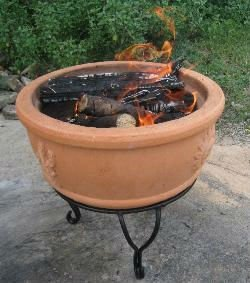 Fir 0002 Top Quality Iron Stand Terracotta Red Clay Fire