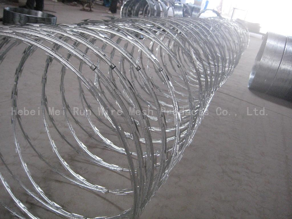 length per roll low price concertina drawing razor barbed wire coil