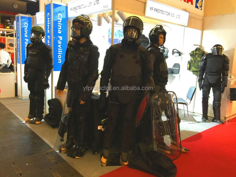 army suit / riot gear / body protector / police and military
