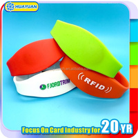 Huayuan Factory Custom UHF Silicone NFC Wristband for Cashless Payment