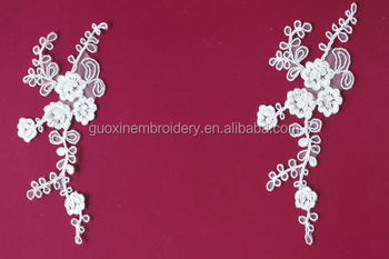 pair Handcut Lace With Applique