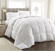 White Goose Down Alternative Comforter, Full/Queen with Corner Tab
