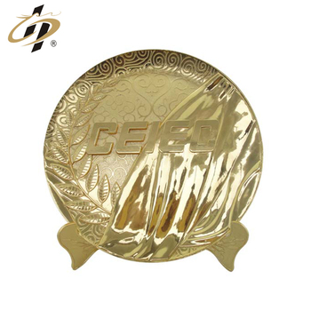 China professional cheap customized gold sport souvenir plate decorative metal plaque