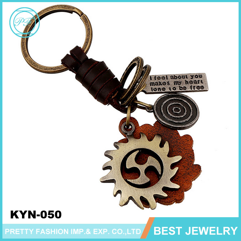 Men's Punk Retro Keychain Factory Outlets Leather Floating Key Chain With Alloy Wheels