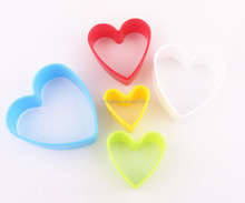 Custom stainless steel 5 colors heart shapes cookie cutter set Factory icing piping nozzles stensil customized coffee stencils