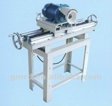 Manual knife grinder for the fibre cutting machine