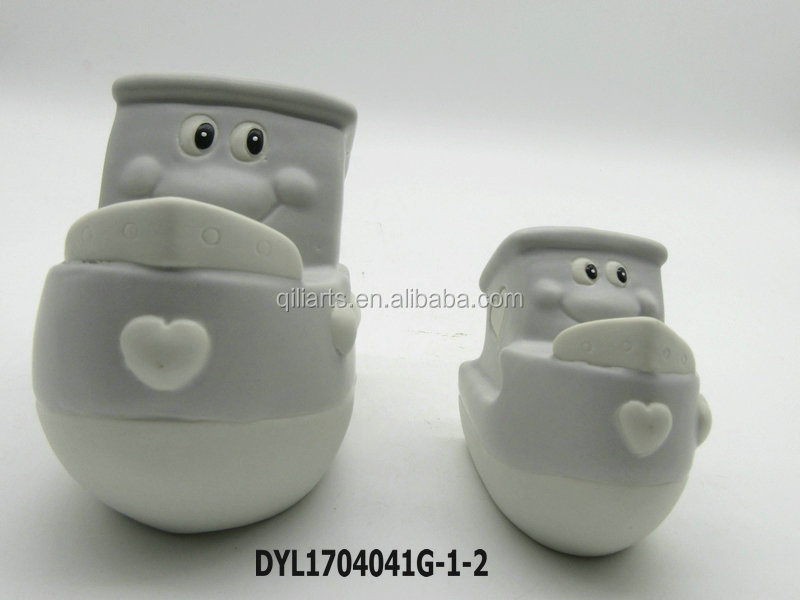 Wedding favors Two Peas in a Pod Ceramic Salt and Pepper Shaker