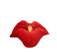 Red lips shape pleuche cat house for cat and small dogs