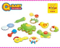 Q-BABY cheap Plastic Baby rattle squeaky toys for sale,funny baby toys